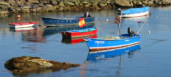 spain-asturias-cudillero-row-boats