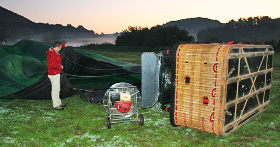 #InPyrenees-filling-hot-air-balloon