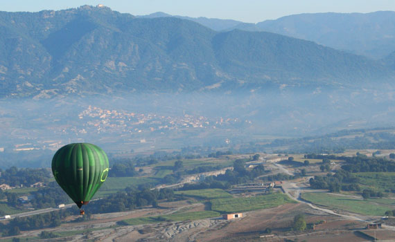 #InPyrenees-hot-air-balloon